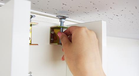 天井とのすき間もなくお部屋にピッタリ安全性も考慮した設計で安心!