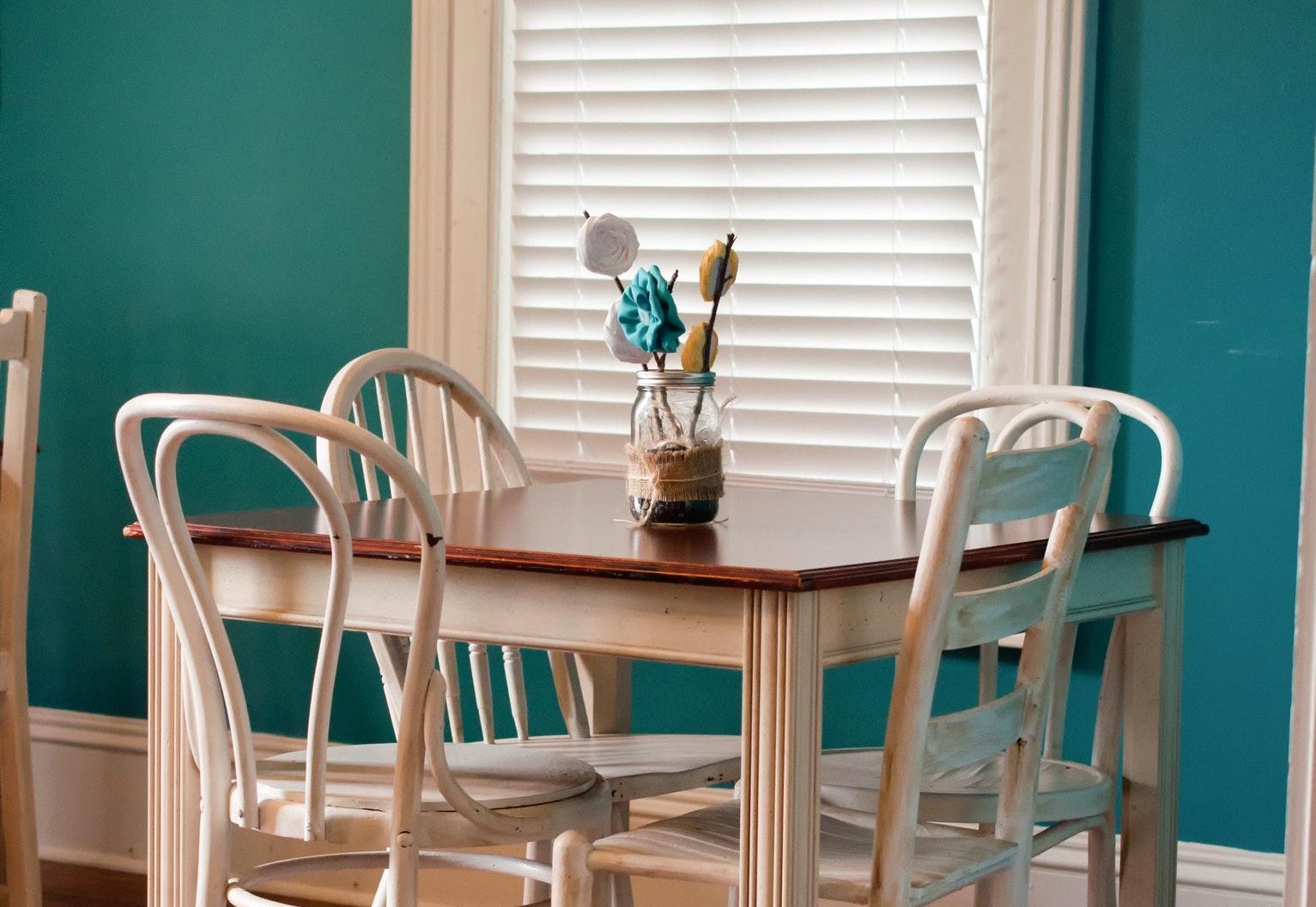 配色でガラッと変わる!おしゃれな家具の色コーディネート5選
