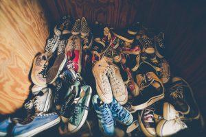 魅せる玄関!お気に入りの靴のためのおしゃれな収納アイデア5選