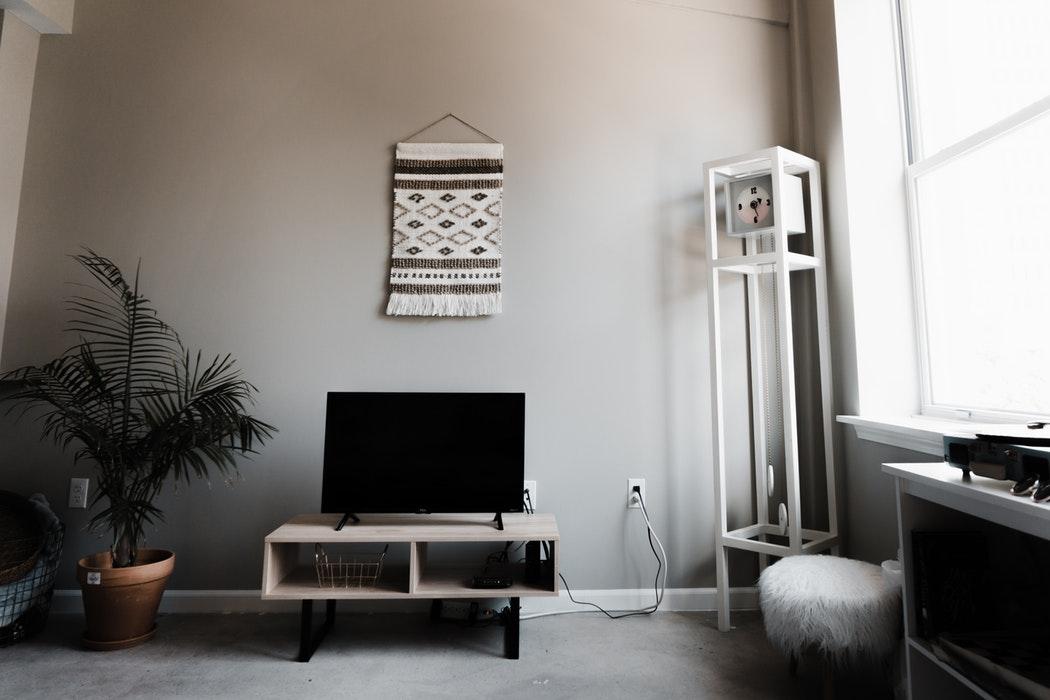 家具ひとつで格上げ!リビングに置きたいこだわりの壁面収納5選