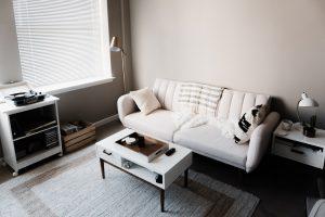ワンルームを広く見せる家具のレイアウトは?おしゃれ空間の作り方4選