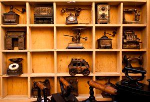 コレクション収納におすすめの棚4選!スッキリ片付けられるコツとは?